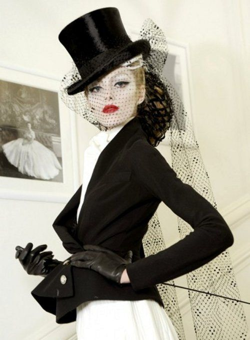I have an antique top hat I could do this with for the holidays! Gorgeous jacket!