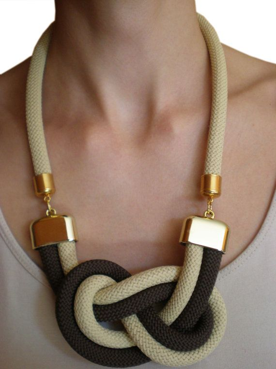 Hey, I found this really awesome Etsy listing at https://www.etsy.com/es/listing/167115441/collar-de-cuerda-nudo-nautico