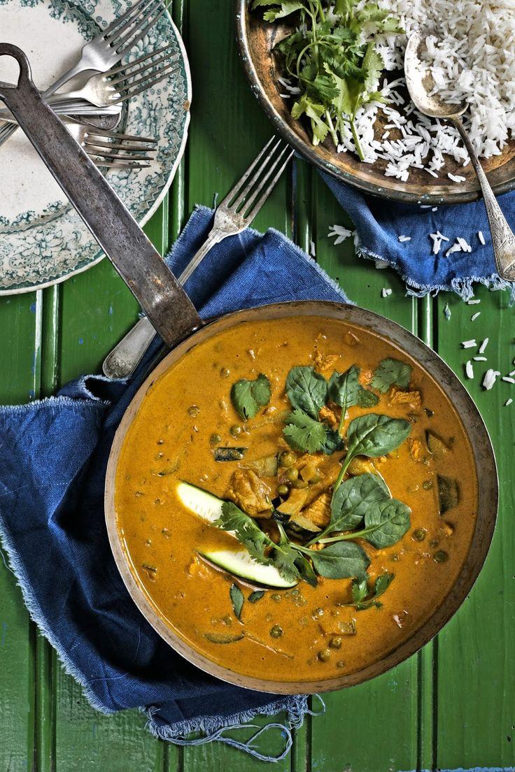 Pratos e Travessas: Caril de perú com ervilhas e courgette # Turkey curry with peas and zucchini