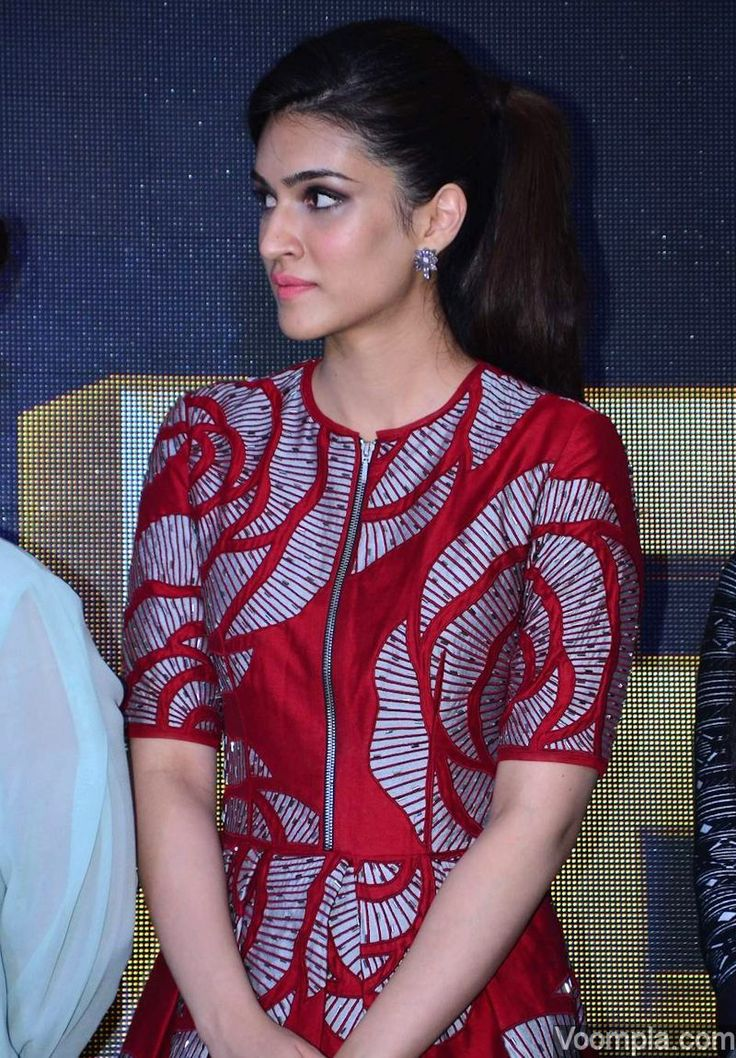 Kriti Sanon looking pretty in a red Nachiket Barve dress. via Voompla.com