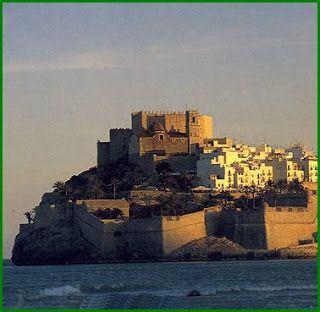 Fosos y almenas: Castillo de Peñíscola, Castellón