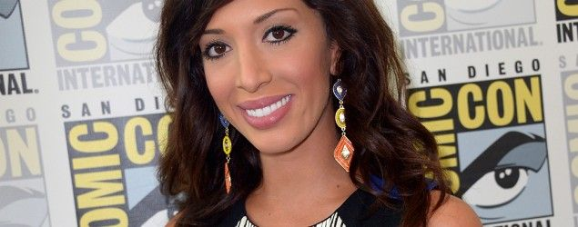 Farrah Abraham (Getty Images) 'Teen Mom' shares 'botched' plastic surgery pics Farrah Abraham ends up in the emergency room after undergoing a new lip implant procedure.  Follow link for more: https://www.yahoo.com/style/warning-farrah-abrahams-lip-implantations-are-107414425783.html?soc_src=mags&soc_trk=copy
