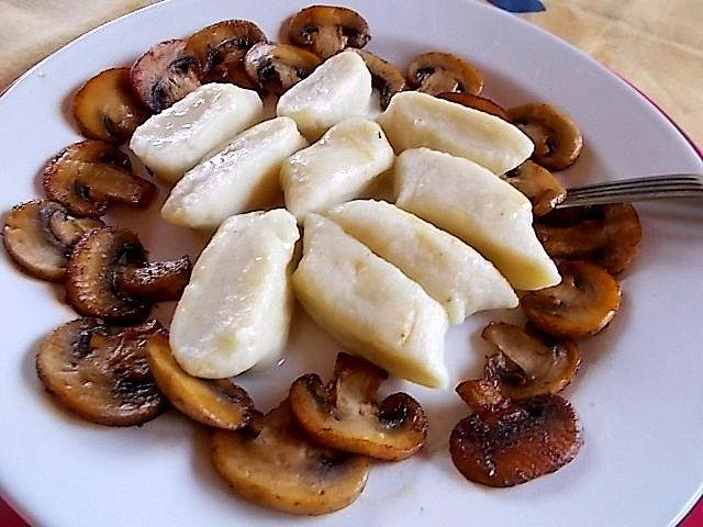 Dieta Moja Pasja: Kopytka z smażonymi pieczarkami.