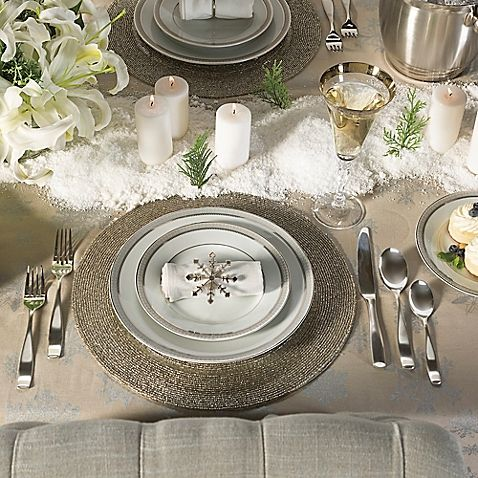 Set a beautiful Christmas dinner table with this Winter Wonderland Collection. Choose from festive place settings, flatware sets, tablecloths, serveware and more, all coordinated in matching style.