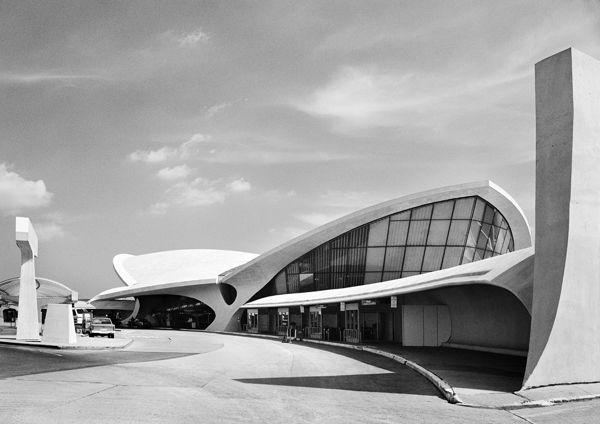 TWA Flight Center, view from automobile arrival, 1962 #architecture