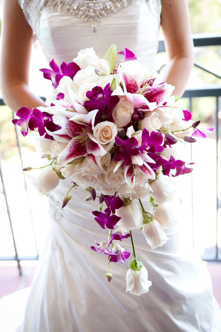 purple orchid bouquet / photo by colsongriffith.com #wedding #bouquet