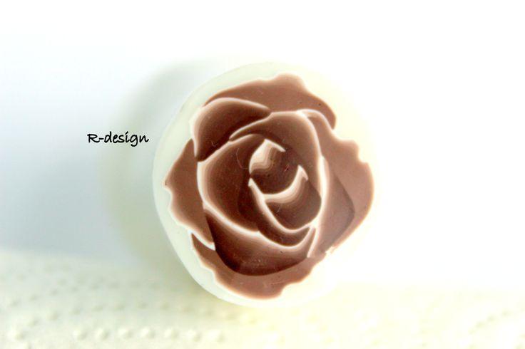 Polymer clay rose cane R-design