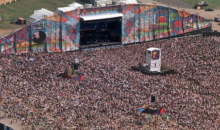 woodstock 1999- what I wouldnt give to be there......We are in this crowd Sarah...crazy. DevynPS
