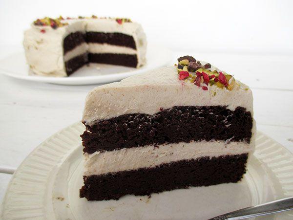 Schokoladenkuchen mit Vanille Creme (Vegan, Glutenfrei, Ohne Kristallzucker)