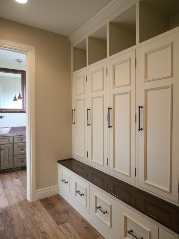25 best ideas about brown front doors on pinterest for Entryway lockers with doors