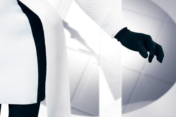 Design Jasna Rok- fotograaf Jasper van Gheluwe – Models Vivian Vivie, Vincent van der Velden - Make-up artist Lieke Wolfs – Hair Raisa Franco – Shoes Chris Van Den Elzen
