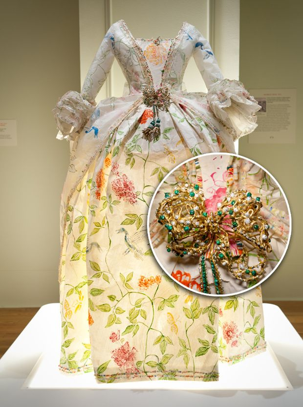 The breathtaking paper designs of Isabelle de Borchgrave (pictures).: Artists, Paper Dresses, Paper Fashion, Costume, Art Dresses