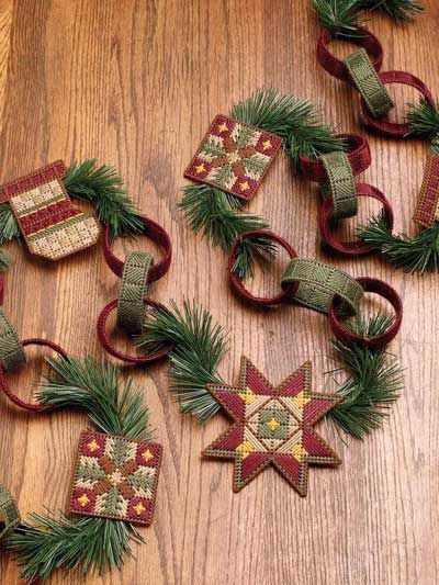 Country Christmas Garland: Plastic Canvas Ornaments, Free Pattern, Plastic Canvas Christmas, Free Plastic Canvas Patterns, Canvas Stitchery, Country Christmas Decor, Christmas Garlands Wond, Holidays Decor, Crosses Stitches