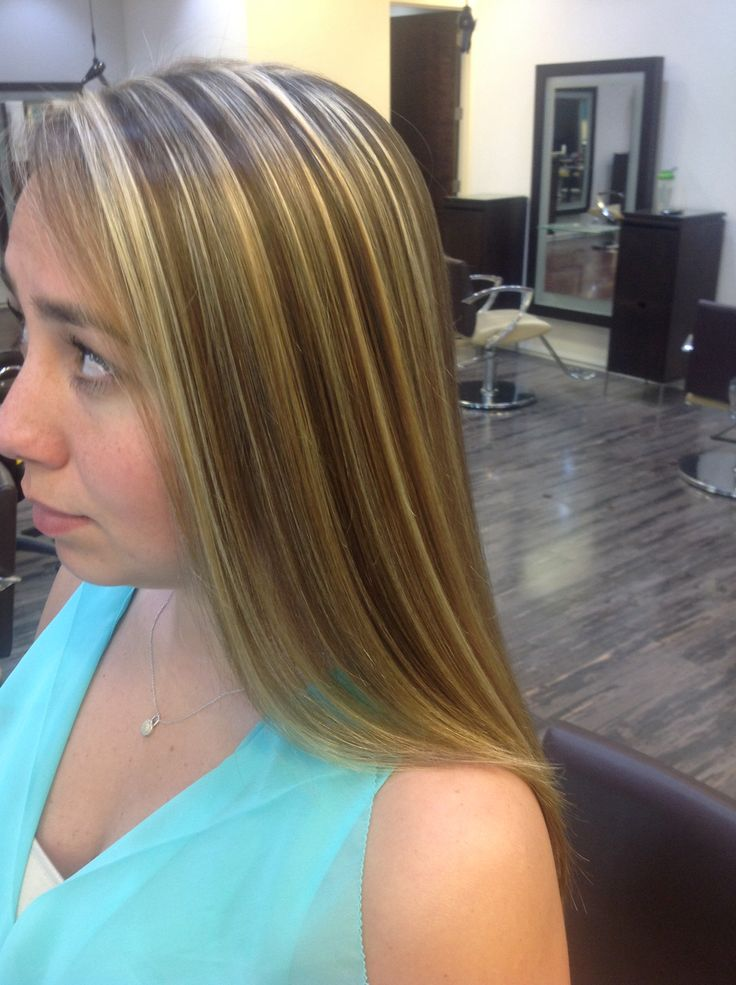 Perfect Pattern Matching Blonde Highlights That Uses The Client S Natural Color As The Lowlight