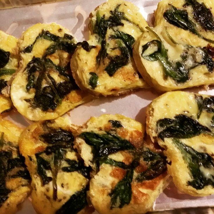 Un classico: frittatine con silene A classic: bladder campion omelette #fitoalimurgia  #lemiericette_fitoalimurgia #vegetarianafelice #phytoalimurgy #myrecipes #edibleplants #happyvegetarian