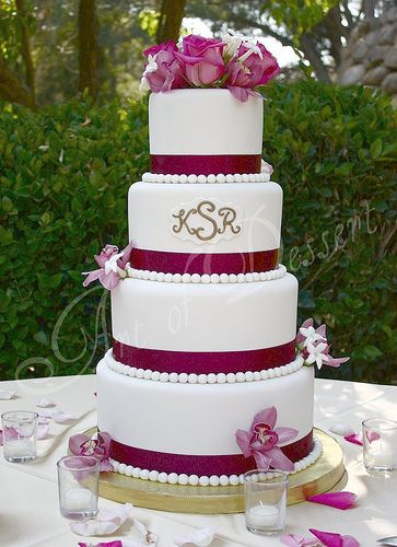 cakes | ... special? Here's a gallery of interesting and unique wedding cakes