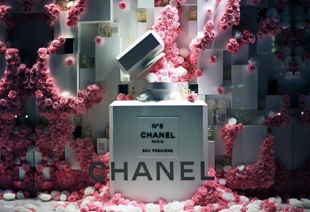 """SAKS FIFTH AVENUE,New York, CHANEL: """"No.5 Fame in a Bottle"""", photo by Stylecurated, pinned by Ton van der Veer"""