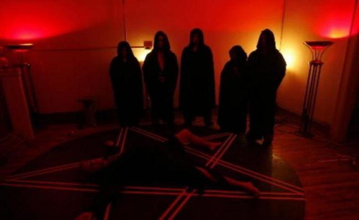 Σατανιστικές τελετές, παγανιστικά σύμβολα, όρκοι πίστης και θυσίες πτηνών (!) στην Πάτρα > http://arenafm.gr/?p=175397