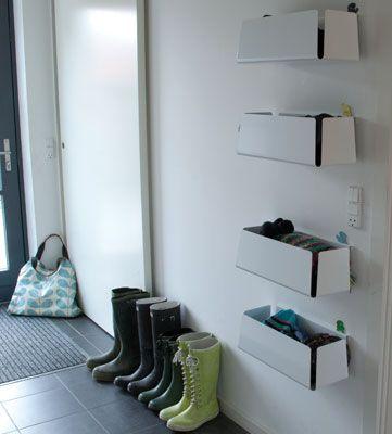 Morfo :: STUFF·IT maxibox hvid/sort. Lækre opbevarings·kasser til huer/vanter eller legetøj. udført i hvidlakeret aluminium.