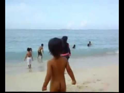 Bersihnya Pantai Maluk Bersama Deta Maseng