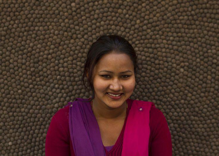 Introducing the team | Bij #Sukhi zijn we super blij en trots op ons team in #Nepal <3 | We geven een eerlijk loon en goede werkomstandigheden. | Wij zijn super #blij (Sukhi) en daarom zetten we onze maaksters stuk voor stuk in het zonnetje <3 #trots | http://www.sukhi.nl/ons-team-in-nepal