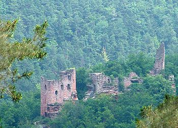 Château du Wasigenstein is a ruined castle in the commune of Niedersteinbach in the Bas-Rhin département of France. 13th century.