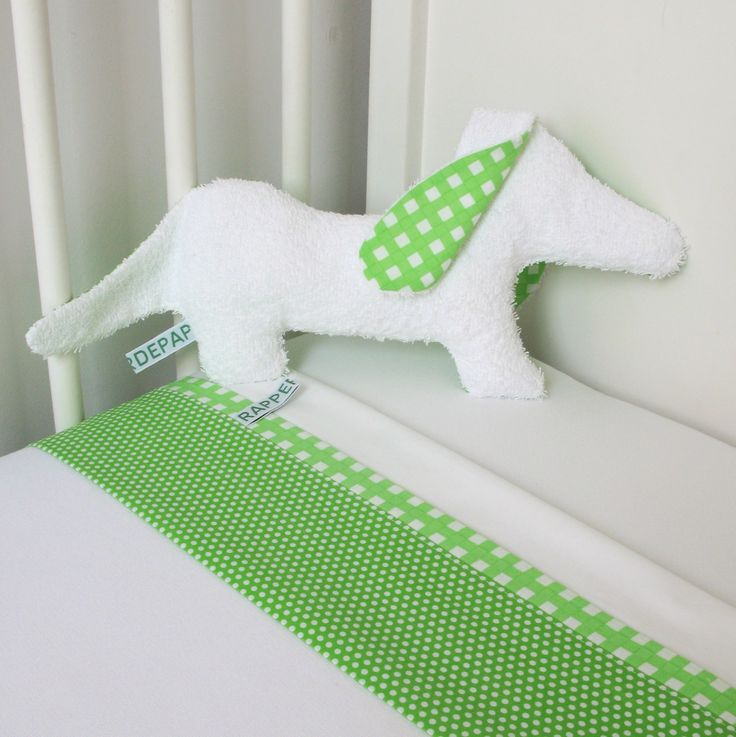 Set cot bed linen/ soft toy - Sausage dog green/ white