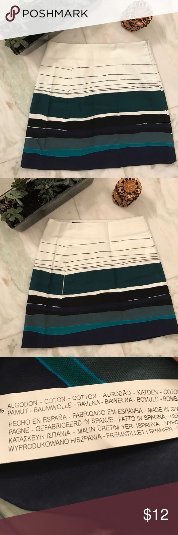 Zara skirt in abstract print Zara skirt in abstract print. Zip is on the side. Measures 16 inches from top to bottom. Open to reasonable offers :) Zara Skirts