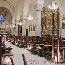 Allestimento floreale in chiesa a Limone Piemonte - Italia   Wedding designer & planner Monia Re - www.moniare.com   Organizzazione e pianificazione Kairòs Eventi -www.kairoseventi.it   Foto Marika Virgilio