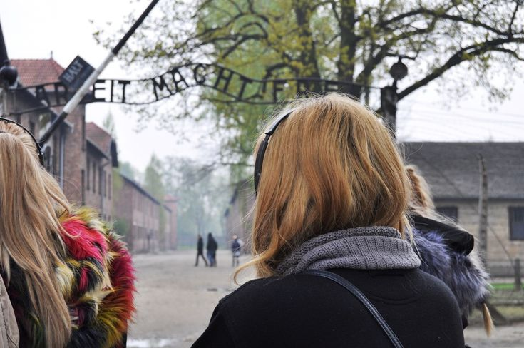 Despre mine după Auschwitz (Daiana Opriș)