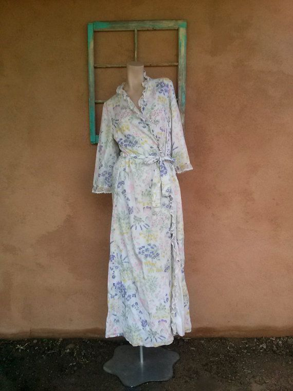 Check out this item in my Etsy shop https://www.etsy.com/listing/249206165/vintage-1960s-robe-pastel-floral-print