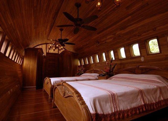 готель в самолете