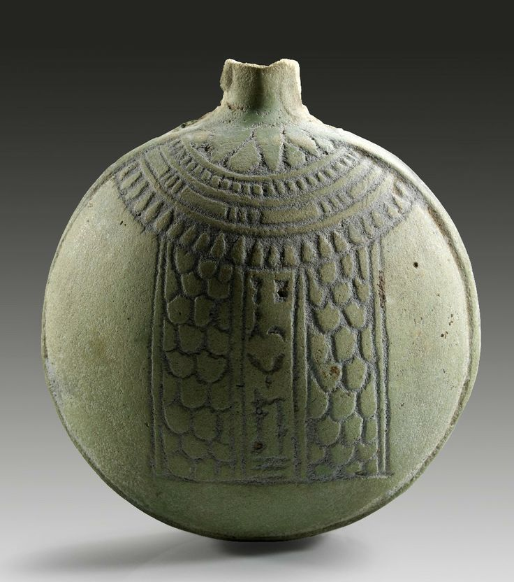 Faience New Year´s flask, Late Period, 652 - 332 B.C. Neck and spout broken.