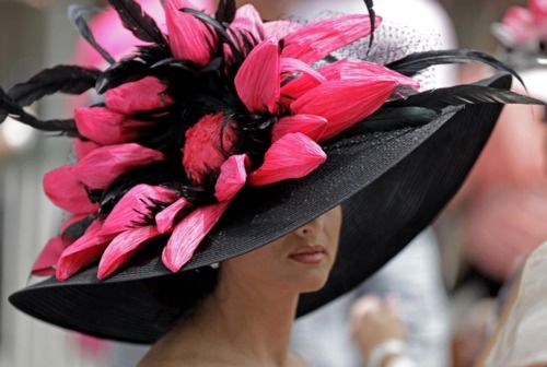 power pink...now that is a Churchhill Downs derby hat