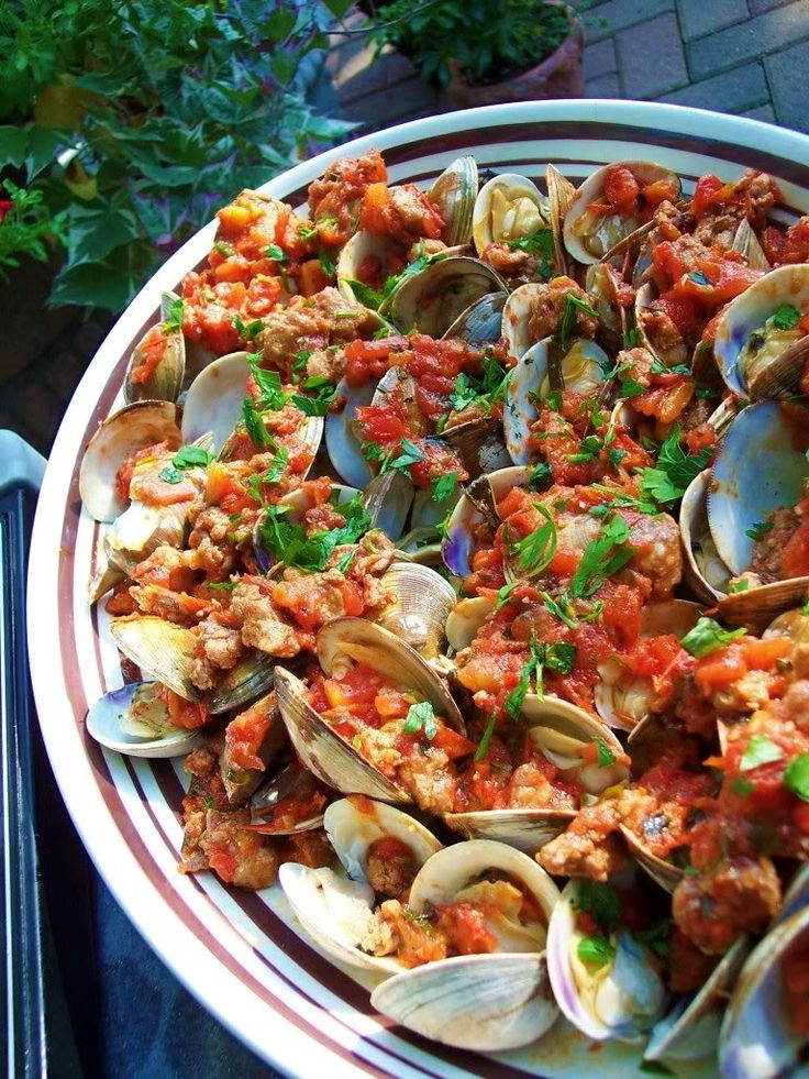 Grilled Clams with SausageSausage, Glorious Food, Fun Recipe, Italian Cooking, Grilled Clams, Roasted Garlic, White Wine, Zucchini Fries, Grilled Recipe