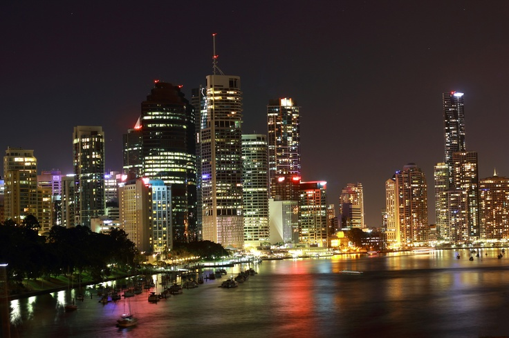 Brisbane nightlife. i took this from the Kangaroo point cliff.