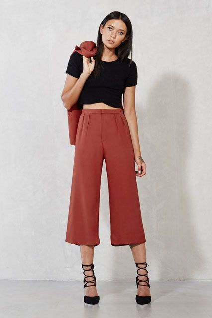 May culotte season never end. #refinery29 http://www.refinery29.com/2015/08/92497/reformation-summer-sale#slide-8