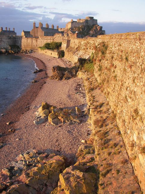 Elizabeth Castle Apartment - The apartment sits within one of Jersey's most historic locations, the glorious Elizabeth Castle which was built during the reign of Queen Elizabeth l and served as a military base until 1924.