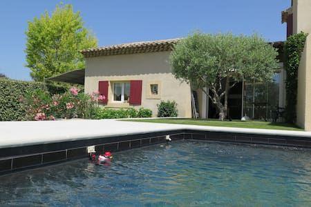 Vyhraj noc v Mini villa au calme dans village - Domy k pronájmu v Puyvert na Airbnb!