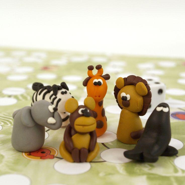 Návštěva+ZOO+-+hra+Originální+autorská+hra+-+vlastní+návrh+Proveďte+své+zvířatko+bludištěm+ZOO+a+vyhněte+se+všem+nástrahám.+Hra+je+založena+na+principu+postupu+od+startovacího+políčka+do+cíle+(každý+hráč+má+jednu+figurku),+hod+kostky+určuje+postup+po+hrací+desce,+při+vstupu+na+odlišené+políčko+je+třeba+si+vytáhnout+kartu+a+řídit+se+jejími+pokyny.+K+...