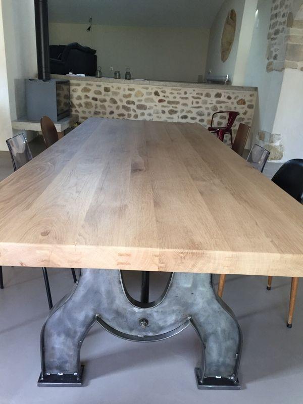 Grande Table Industrielle Pieds Arques En Fer Et Plateau En Chene Massif Sur Mesure Table De Reunion Open Space Table De Reunion Table Industrielle Table