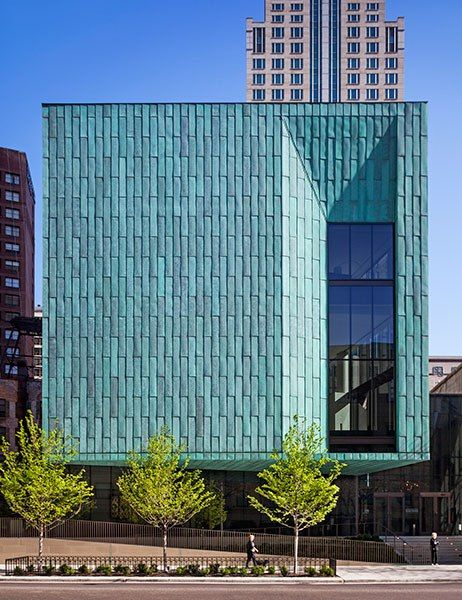 The historic architecture of the Fourth Presbyterian Church was the starting point for firm Gensler when designing the parish's new Genevieve and Wayne Gratz Center. For the expansion, the architects brought copper front and center as the exterior cladding.