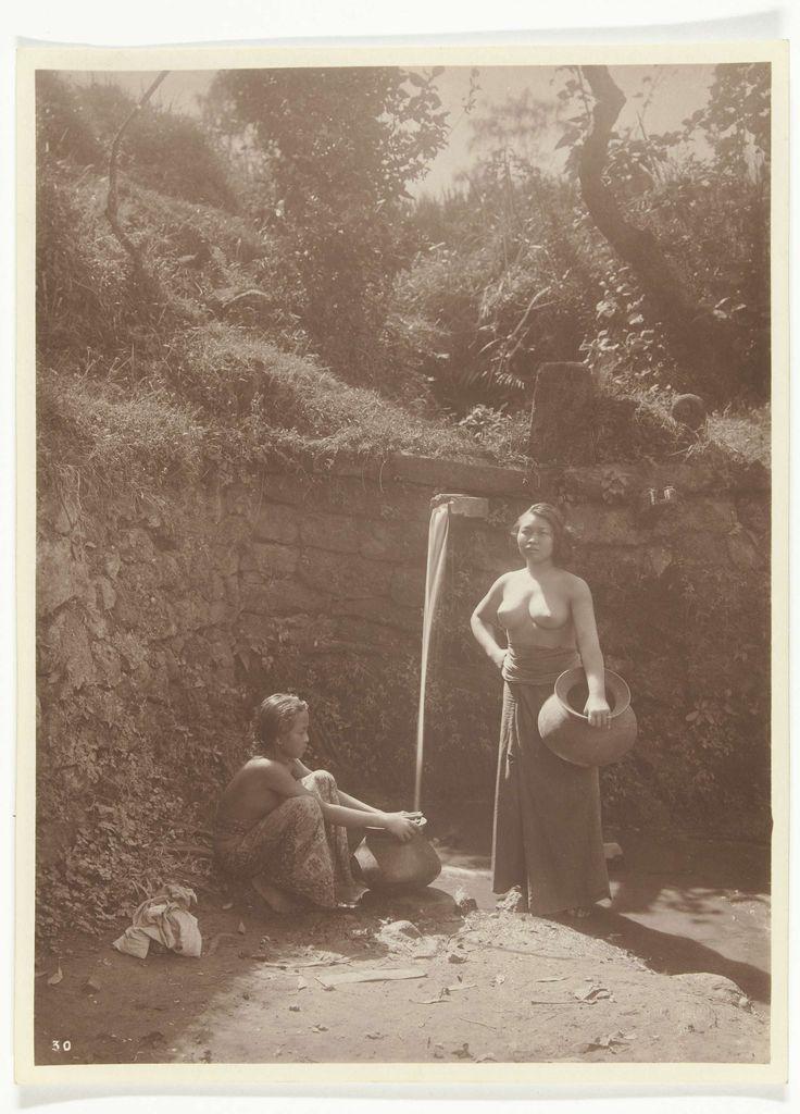 Waterdraagsters op Bali, voormalig Nederlands-Indië, O. Kurkdjian, ca. 1890 - ca. 1911
