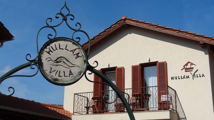 Welcome in Hullam Villa. Beautiful yoga venue:)