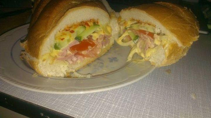 Большой сэндвич.