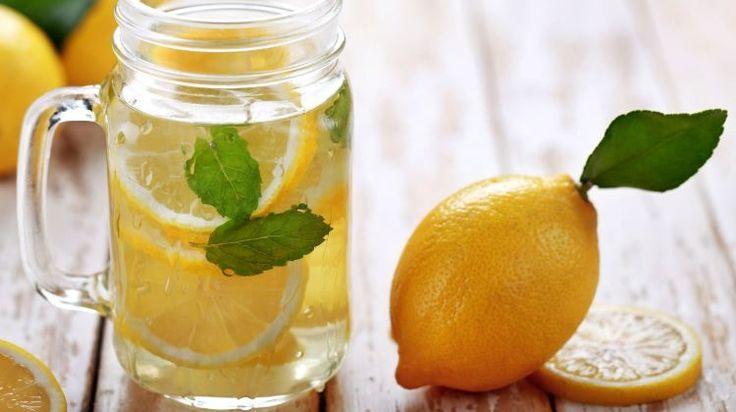 A citromos víznek számos nagyszerű hatása van az egészségünkre