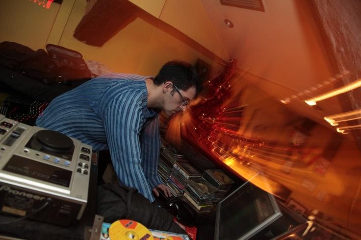 El Cuento Bar. Nuestro DJ.