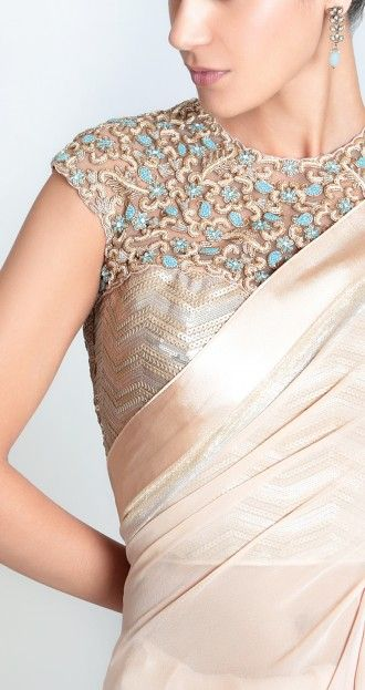 @KhubsooratC's Peachy Champagne Georgette #Saree w/ #OMG Sequinned Torquoise and Gold Embroidered Boned Corset Blouse  @ £ 375