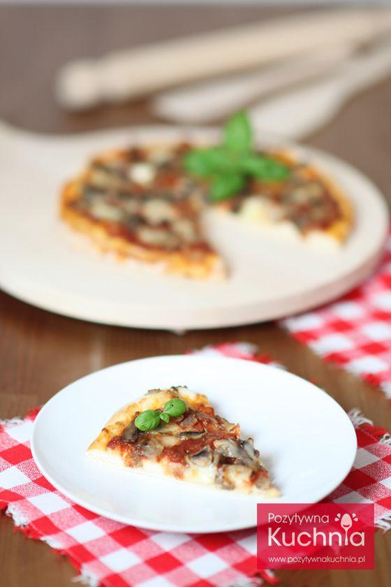 #pizza z pieczarkami - #przepis krok po kroku  http://pozytywnakuchnia.pl/pizza-z-pieczarkami/  #kuchnia #obiad