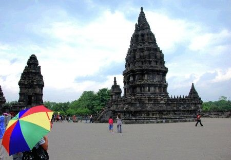 Prambanan temple is one of the beauty that is in Yogyakarta. As well as cultural heritage sites